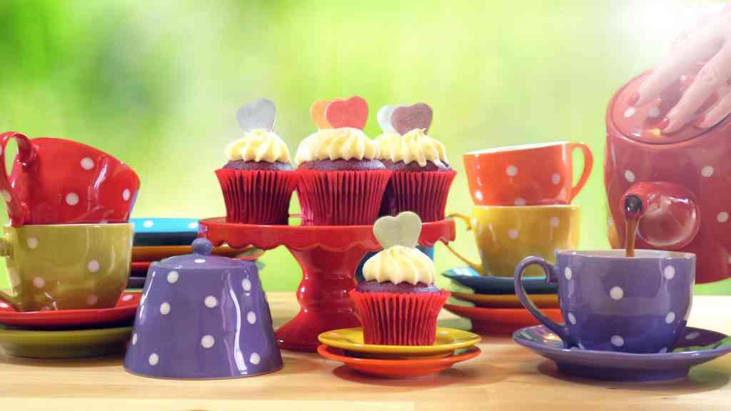 Mad Hatter tea set Alice in Wonderland