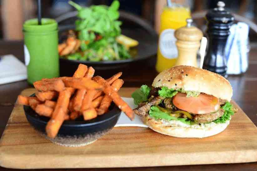 Shucks is a great restaurant for kids in Sydney