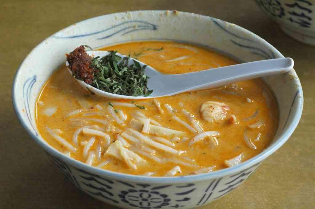 A bowl of Singapore Curry Laksa