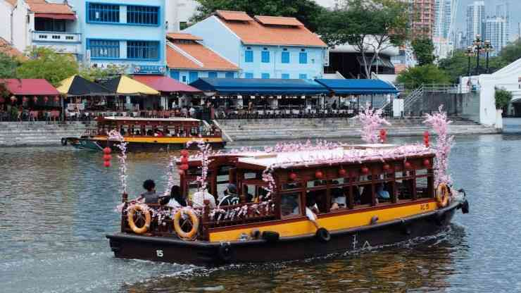 Singapore River Cruise during the day
