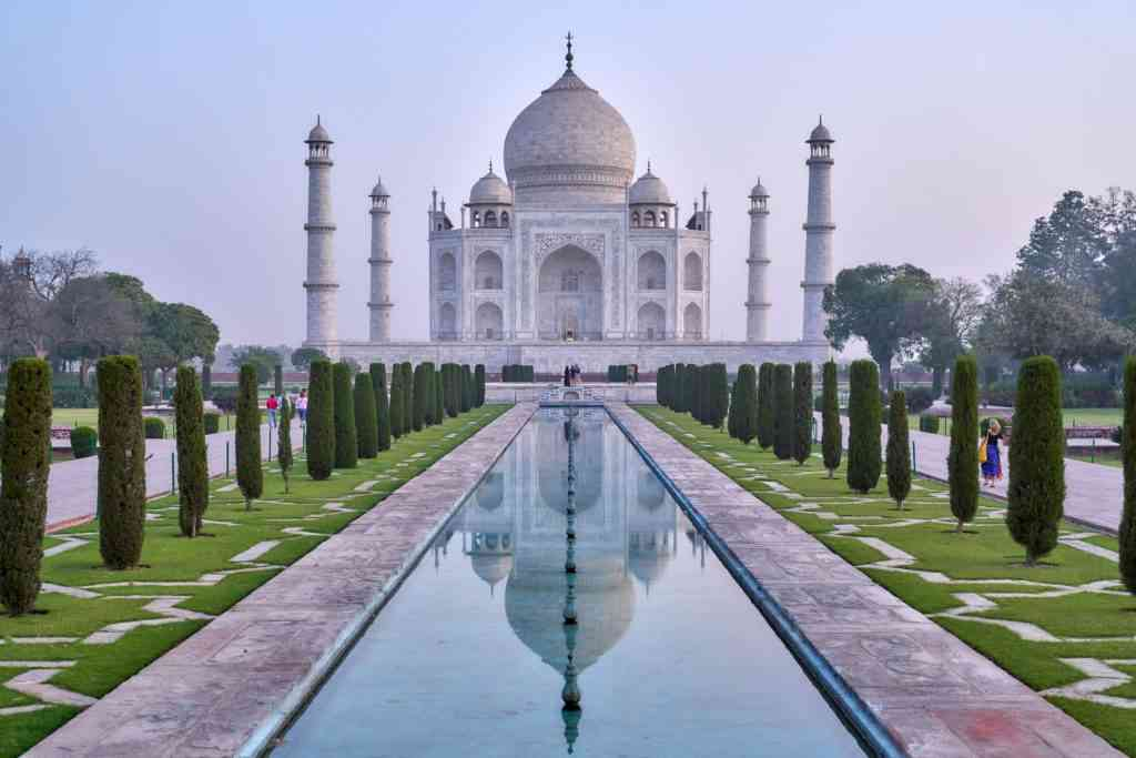Places to visit with kids - Taj Mahal